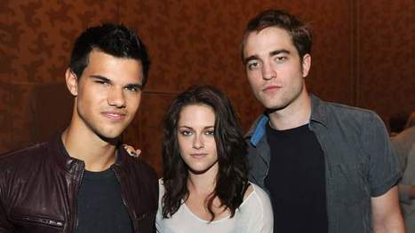 'Twilight' Stars To Be Immortalized In Cement At Grauman's Chinese Theatre - Access Hollywood | The Twilight Saga | Scoop.it