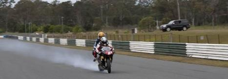 Twitter / TroyBaylisstic: And long front skids , try this at home and don't let me know how you get on | Ductalk Ducati News | Scoop.it