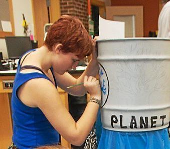Student art project illustrates climate change causes, effects | Climate change and the arts | Scoop.it