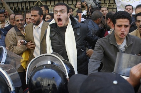 Twitter's reportedly blocked as Egyptians protest government - Yahoo! News | Coveting Freedom | Scoop.it