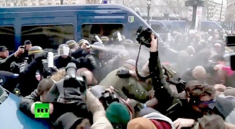 Family values thugs riot across Paris to protest gay marriage (video) | Daily Crew | Scoop.it