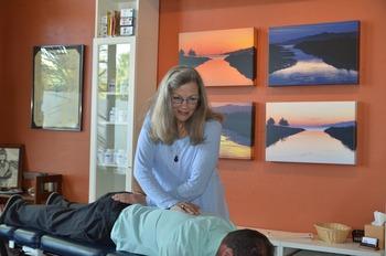How Chiropractic Can Ease The Opioid Epidemic | Chiropractic + Wellness | Scoop.it