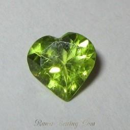 Permata Peridot bentuk Hati sebesar 1 Carat + Memo Keaslian Batu Mulia | Jual Beli | Scoop.it