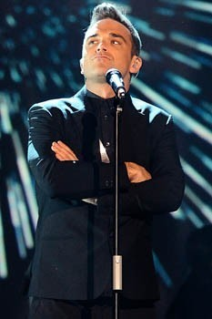 Robbie Williams 'accidentally' flashes audience | CELEBRITY GOSSIP CHANNEL | Scoop.it