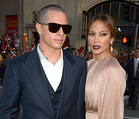 J-Lo brings old school glamour to red carpet - hellomagazine.com | Mind Goal Success | Scoop.it