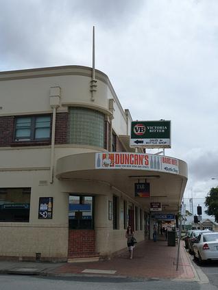Art Deco Buildings: Bair's Otago Hotel, Leongatha   Architecture Art Deco   Scoop.it