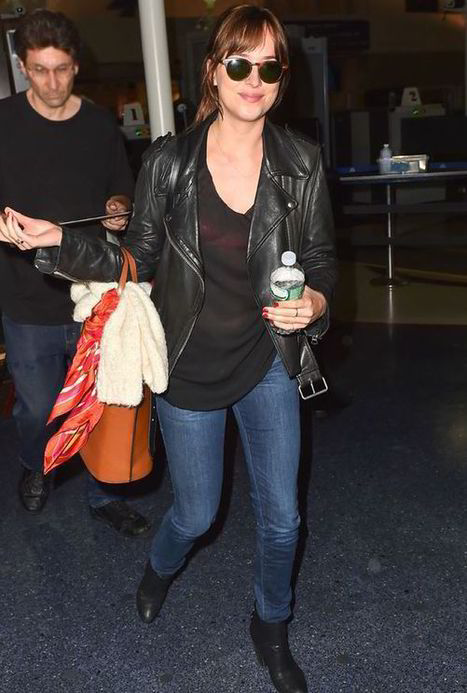 Dakota Johnson sports brunette locks as she jets to LA for Fifty Shades of Grey re-shoots | FiftyShadesFrance | Scoop.it