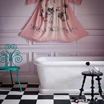 Idées déco : décoration murale avec une simple robe… | décoration & déco | Scoop.it