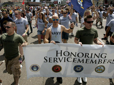 Pentagon Says Servicemembers Can Wear Uniforms in Gay Pride Parade | This Gives Me Hope | Scoop.it