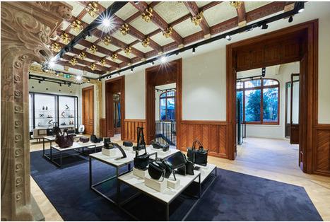 Hot spot: Le nouveau flagship Massimo Dutti à ouvert ses portes à Barcelone | RETAILex : Nouveaux concepts et nouvelles tendances On & Offline | Scoop.it
