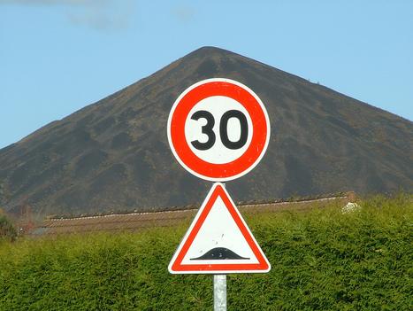 Sécurité routière : des panneaux de signalisation reconnus en temps réel | assurance temporaire | Scoop.it