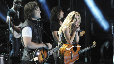 """Survey Says: The Band Perry, Kellie Pickler and Sara Evans to Play """"Celebrity Family Feud"""" 