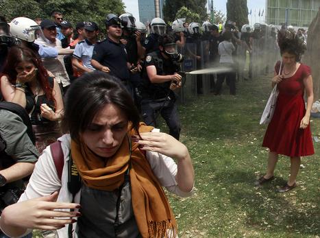 The photo that encapsulates Turkey's protests and the severe police crackdown | Community Village Daily | Scoop.it