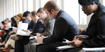 Les embauches en CDI chutent de 6% au premier trimestre 2013 | Lycée Racine Economie Terminale | Scoop.it