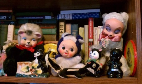 The Unintentional Skunk Collection | Kitschy Kitschy Coo | Antiques & Vintage Collectibles | Scoop.it