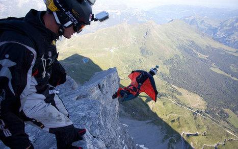 The Queen's Stunt Double Drop-Tests an iPhone From 1000 Feet | iFilmmaking | Scoop.it
