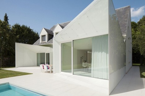 Contrasting Conversion: This classical house has a two-toned re-vamp | Architecture and Architectural Jobs | Scoop.it