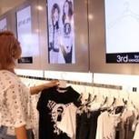 Japon : Quand les cintres d'un magasin déclenchent les contenus d'écrans d'affichage numérique | eCommerce, Digital in-store | Scoop.it