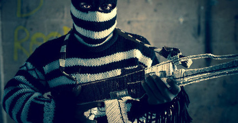 The Beaded Guns of Africa | Art Installation | Scoop.it