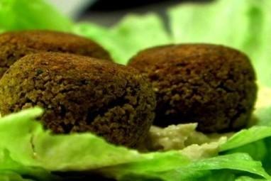 Vegetarian/Vegan Recipes: Falafel Lettuce Wraps | Global Animal | My Vegan recipes | Scoop.it