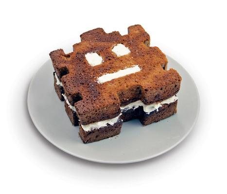 Retro Arcade Cake: Baked Invaders | All Geeks | Scoop.it