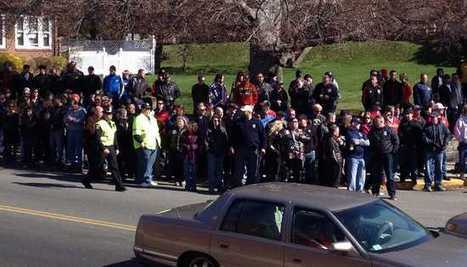 Daily Kos: Teamsters form human wall against planned Westboro Baptist picket at bombing victim's funeral | Unions and Labour | Scoop.it