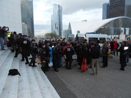 4M Les passants également apeurés par les cartons retrouvent leur sérénité.. | #marchedesbanlieues -> #occupynnocents | Scoop.it