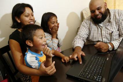 Digital connections for low-income Latinos - San Jose Mercury News   Peer2Politics   Scoop.it