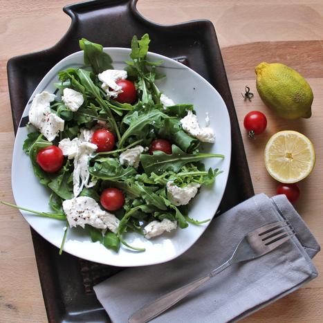 #HEALTHYRECIPE - Tomato and Mozzarella Salad   Healing Board   Scoop.it