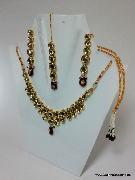 Indian Kundan Jewelry - Traditional Kundan Necklace Set | Ruby AD Pendant and Earrings | Scoop.it