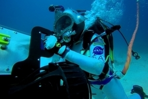 Astronauts Test Virtual-Reality Headset for Space On Ocean Floor | cool stuff from research | Scoop.it