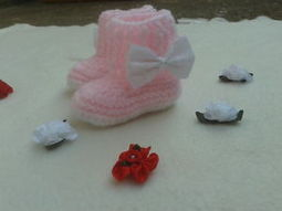 Crochet Baby Boots 0-12 Months Pink/White/Blue/Baby Clothes | crochet for babies | Scoop.it