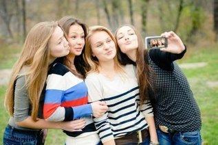 The Selfie Culture: Should We Be Worried? - The Social Media Monthly | Peer2Politics | Scoop.it