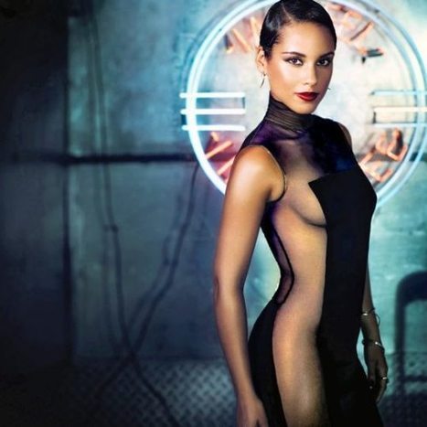 """Alicia Keys ft Maxwell """"I want to light a candle, I want to turn darkness to light"""" 