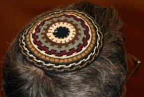 """משפחה - תסמונת """"בן הרב"""": כיצד מתמודדים רבנים עם בן שחזר בשאלה?   Jewish Education Around the World   Scoop.it"""
