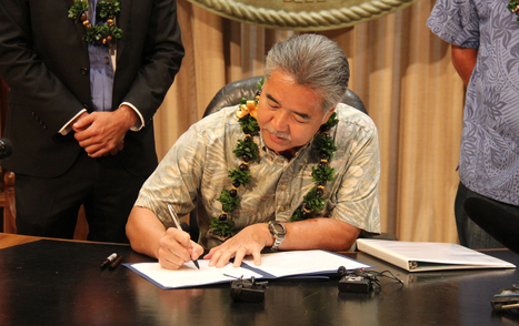 """Hawaii's Governor Dumps Oil and Gas in Favor of 100 Percent Renewables (""""rolling out a 20-year target"""") 