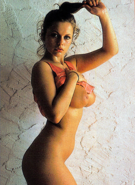 christina aguilera upskirt from video