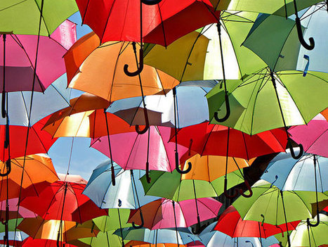 Hundreds of Floating Umbrellas Above a Street in Agueda, Portugal | educacion para padres | Scoop.it