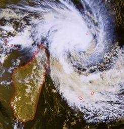 La Réunion en alerte orange : cyclone Dumile | Blog Buzz | Nouveau blog buzz francophone | Scoop.it