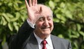 Αύριο γιορτάζει ο Μητσοτάκης.. Του στέλνουμε ευχές!! | Social in Greece | Scoop.it