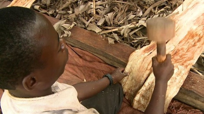 Would you wear clothes made from bark? | BBC | Kiosque du monde : Afrique | Scoop.it