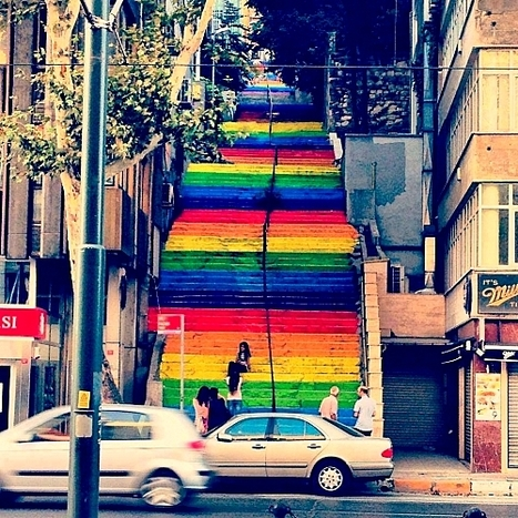 Un escalier d'Istanbul haut en couleurs | ESL33 | Scoop.it