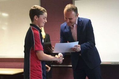 Canberra boy who learnt sign language to help his deaf friend wins humanity award | Educational eAccessibility | Scoop.it