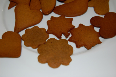 Piparkūkas (Latvian Gingerbread Cookies) « Astrid's Home | Latvian cuisine | Scoop.it