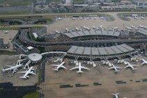 Charles de Gaulle Airport closes two runways | News | Cheap Car Rental | Scoop.it