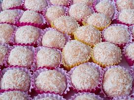 Recette de boules de dattes, riz croustillant, noix de coco et cacao (dessert oriental, Ramadan) | Desserts street food | Scoop.it