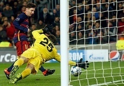 Luis Suárez and Lionel Messi score twice as Barcelona thrash Roma to win group - The Guardian | AC Affairs | Scoop.it