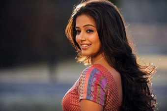 Tamil South Actress Trisha Hot Still Saree   Justhottest   Scoop.it