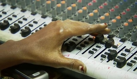 Sierra Leone : la radio remplace les écoles fermées à cause d'Ebola | Radio Hacktive (Fr-Es-En) | Scoop.it