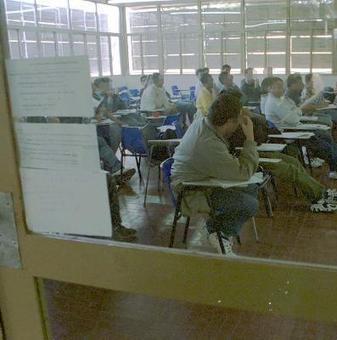 Salen del secundario 180 agentes públicos al año - rionegro.com.ar | política educativa | Scoop.it